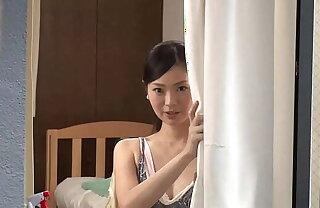 https://bit.ly/3cFchqq 向かいの部屋の窓から覗く巨乳美女の着替え姿に見とれていると、偶然ラッキーエロ、そして…まさか!?